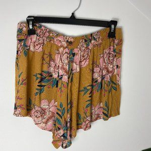 Billabong floral shorts L